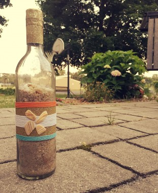 beach-wine-bottle-3